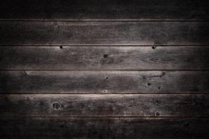 Behebung von Dellen im Holz